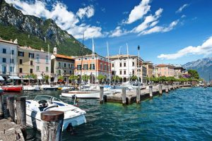 Produktbild von Gardasee: Sommer im charmanten Landhaus + Frühstücksbuffet + 1 Falsche Wein zur Begrüßung = 59€